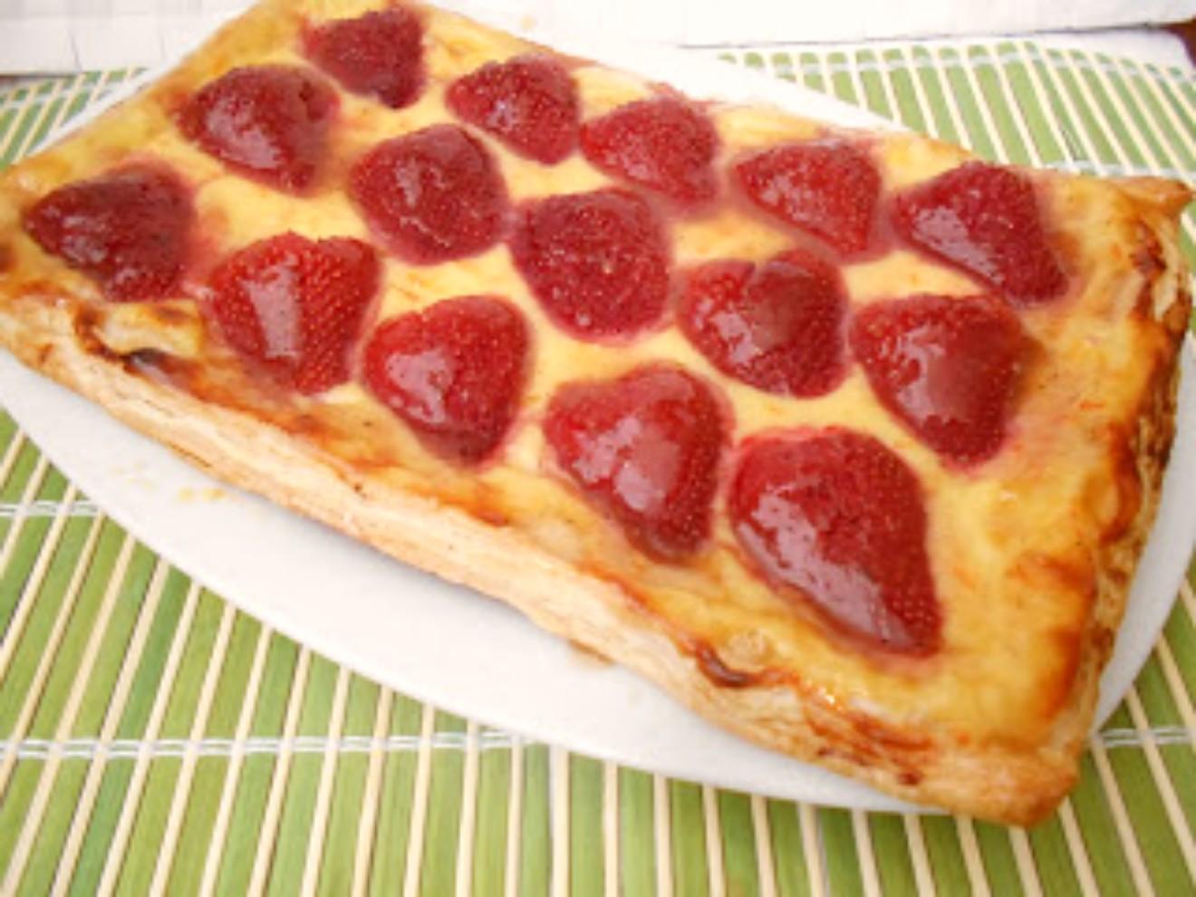 480 receta tarta de hojaldre con fresas y crema for Maduras en la cocina