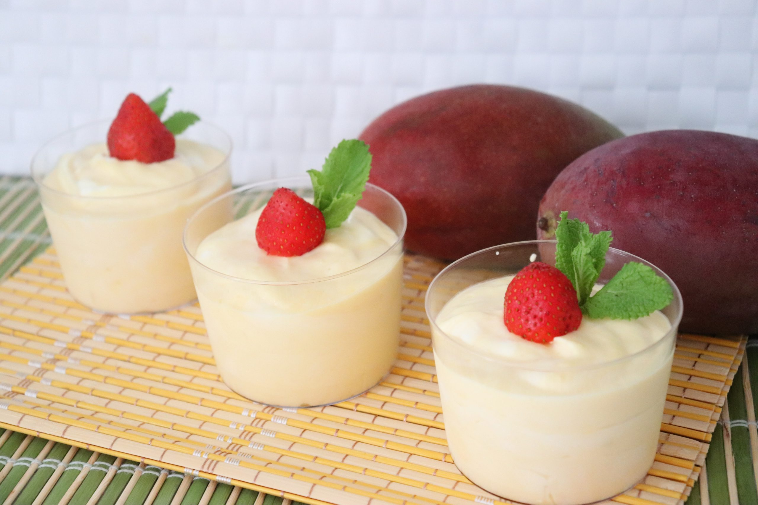 mousse de mango y chocolate blanco